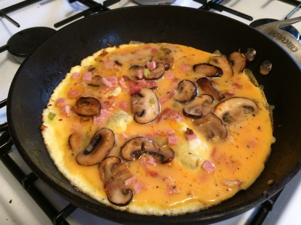 How To Make Bacon And Mushroom Omelette